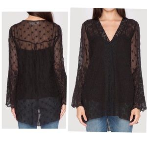 •4 Love and Liberty 'Hilda' blouse - Johnny Was•
